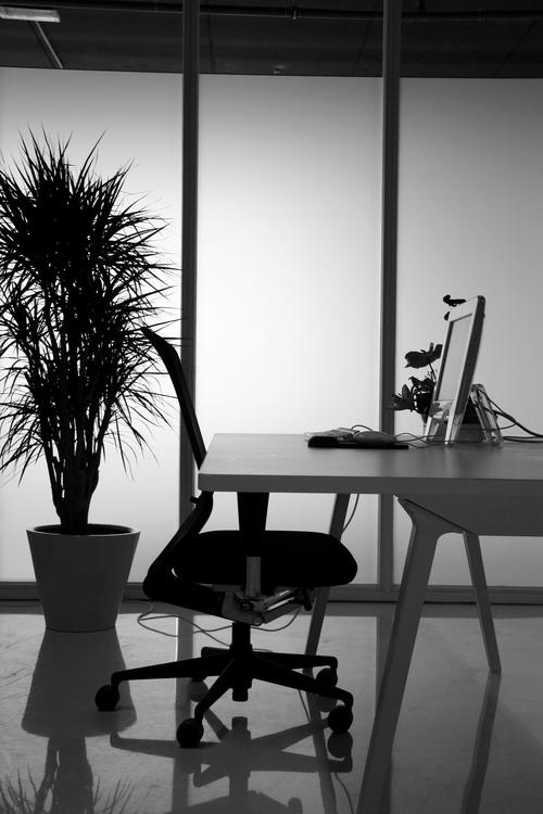 design-office-1228893-1920×2880.jpg